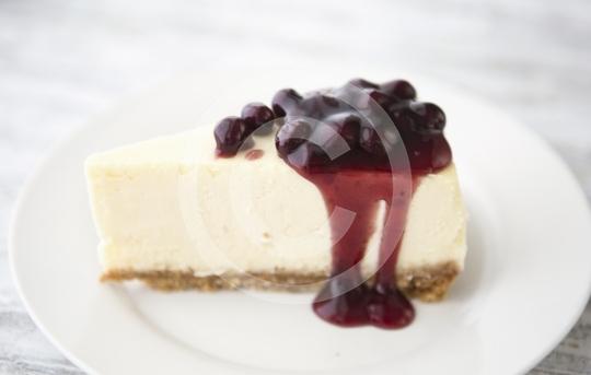 CheesecakeBlackberrySlice0085